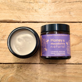 Honey & Macadamia Rich Moisture Cream 120mL