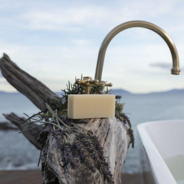 Fresh Tasmanian Goat's Milk & Honey Soap Bar